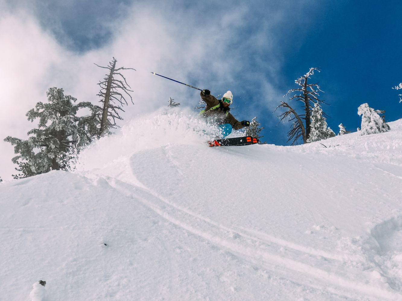 Reasons to Go Skiing in Spring